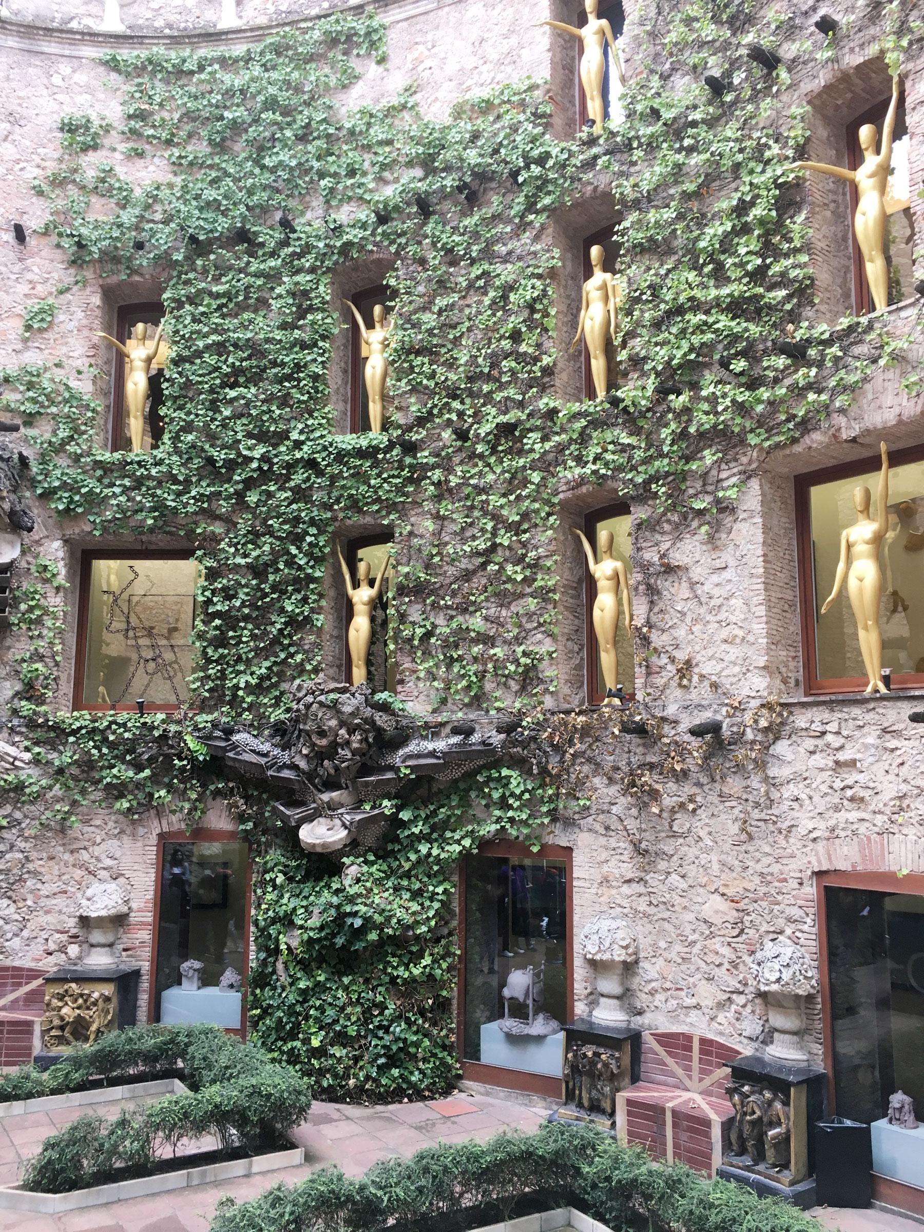 Central courtyard at the Dali Museum, Figueres. #daytripfrombarcelona